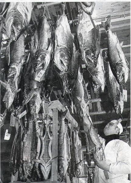 寒風に増すうまみ塩引き鮭